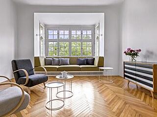Dochované původní prvky bytu – špaletová okna, dveře a bukové parkety vhodně...