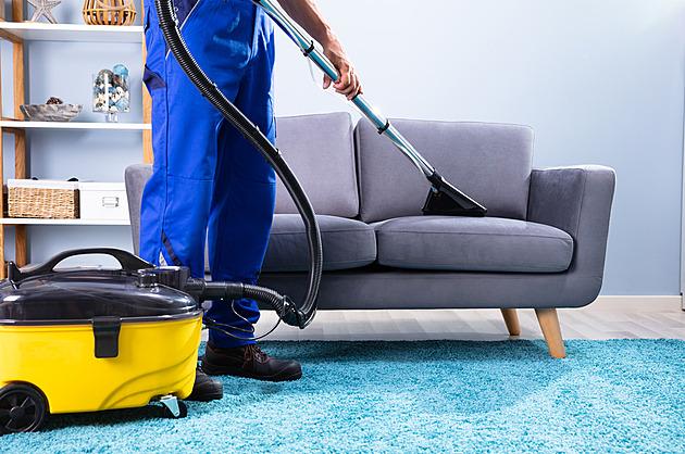 Alternativou pro domácí čištění textilií může být suchý led. Sám se odpaří
