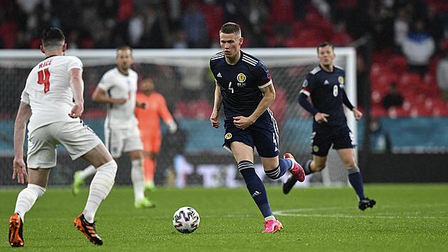 Legendy radí, jak na Čechy: Zrychlit, ať hraje Grealish i kritizovaný Kane