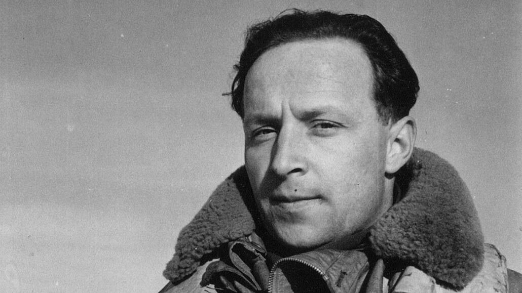 Stíhač RAF Stehlík operoval na třech frontách, zemřel před třiceti lety