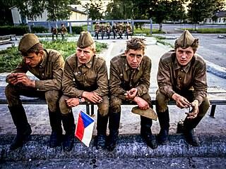 Odcházející vojáci Sovětské armády, červen 1991, Milovice
