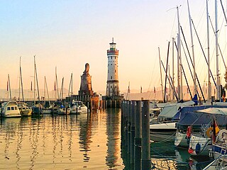 Vpřístavu v Lindau denně v přistává až padesát jachet či motorových lodí.