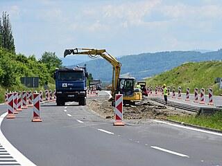 Na hlavním silničním tahu mezi Bělotínem na Přerovsku a Novým Jičínem byla...