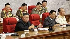 Kim Čong-un se zbavil stranických špiček. Mluví o 'závažném incidentu', připustil pandemickou krizi v KLDR