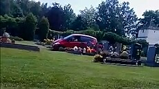 Řidička kličkovala mezi hroby v Lázních Bohdanči