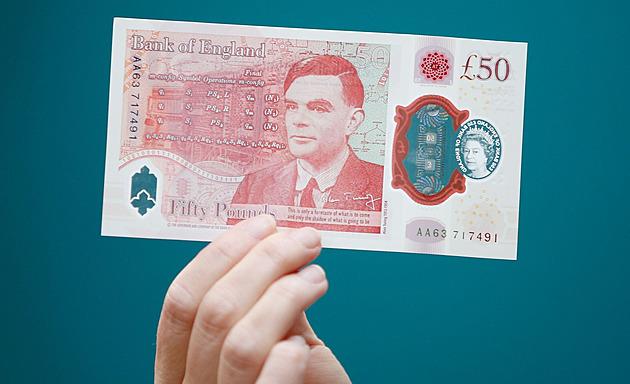 Sada plastových librovek je kompletní, do oběhu se přidal Alan Turing