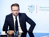 Náměstek ministra zahraničí Martin Smolek hostem pořadu Rozstřel. Moderuje...