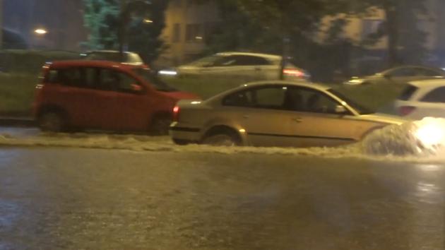 Během noci se přes část Česka přehnala silná bouřka