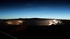 Takhle viděli noční bouřku lidé z kokpitu letadla