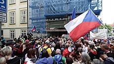 Hrozí v Česku útok na 'Kapitol'? Co chrání poslance ve sněmovně před běsněním demonstrantů