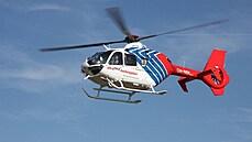 Do jezera v Polsku se zřítil vrtulník. Jeden člověk se sám dostal ven, další dva lidi vytáhli záchranáři