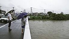 Tajfun ženoucí se na Japonsko straší pořadatele olympiády. Již podruhé mění program veslařů