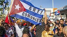 'Castrismus je u konce s dechem.' Kubánci se bouří proti starému režimu, pomáhá jim v tom i odchod vousáčů