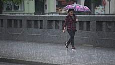 Pohraničí zasáhnou velmi silné bouřky, varují meteorologové. Na Lužické Nise hrozí povodně
