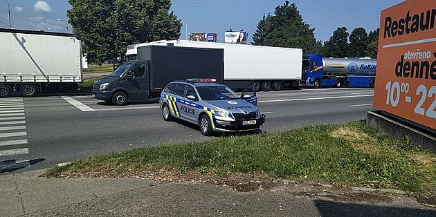Nehoda na hlavním tahu ochromila dopravu v Českých Budějovicích