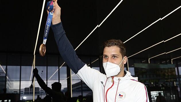 Jedna olympijská medaile z Tokia právě dorazila do Česka! Z Tokia se vrátil...