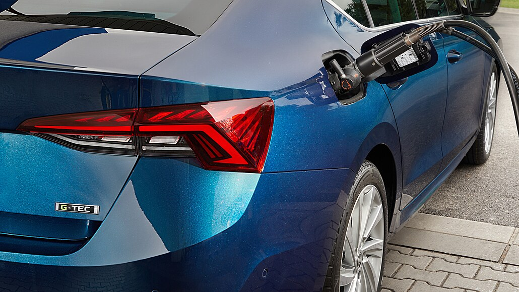 Úspora peněz a emisí bez elektřiny: Škoda Octavia na zemní plyn dává smysl