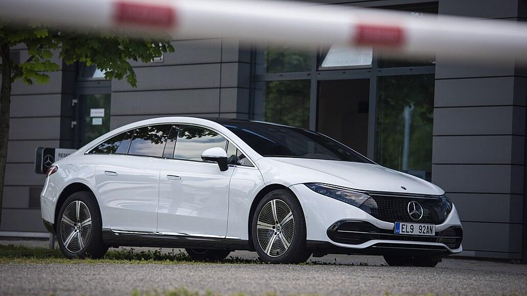 Autofotka týdne: První elektrický supermercedes přistižen v Česku