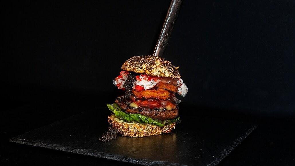 V Holandsku vznikl nejdražší burger světa. Stojí téměř 130 tisíc korun