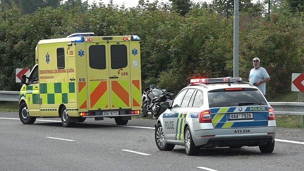 Osmnáctiletý mladík nezvládl vybrat zatáčku, nehodu nepřežil