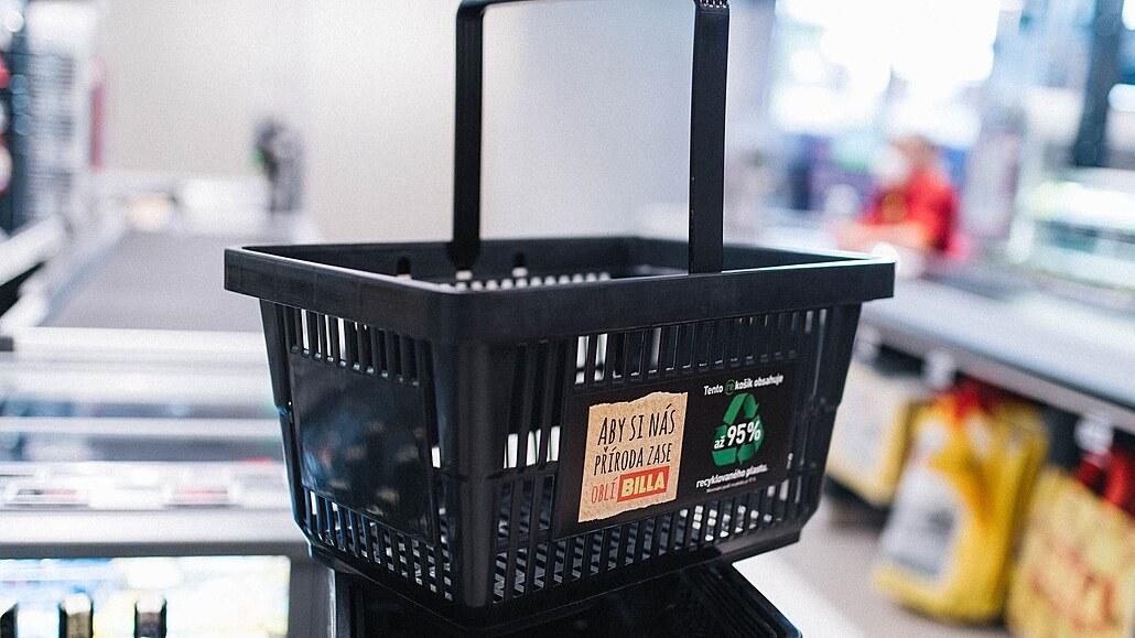 Na nákup s recyklovaným košíkem. Supermarkety vzhlíží k přírodě