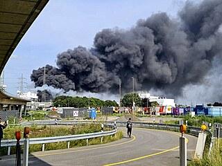Chemickým závodem v západoněmeckém městě Leverkusen otřásl výbuch. (27....