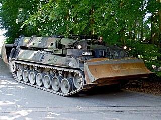 V domově důchodce v německém Heikendorfu se našel tank, protiletadlové dělo a...