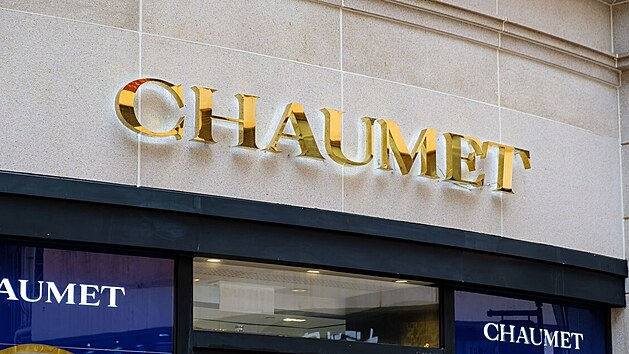 V Paříži vyloupili věhlasné klenotnictví Chaumet, zloděj odjel na koloběžce