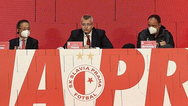 Slávistická tiskovka: zleva místopředseda představenstva CITIC Europe Holdings...