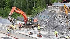 Dálnice D11 je po bourání mostu zcela průjezdná, otevřený je i úsek na Hradec Králové