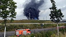 Po výbuchu chemického závodu v Leverkusenu se pět lidí pohřešuje. Majitel areálu si nemyslí, že jsou naživu