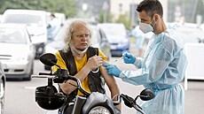 Neočkovaní v Německu narazí. Lidé bez vakcíny se časem nedostanou do kina či na stadion