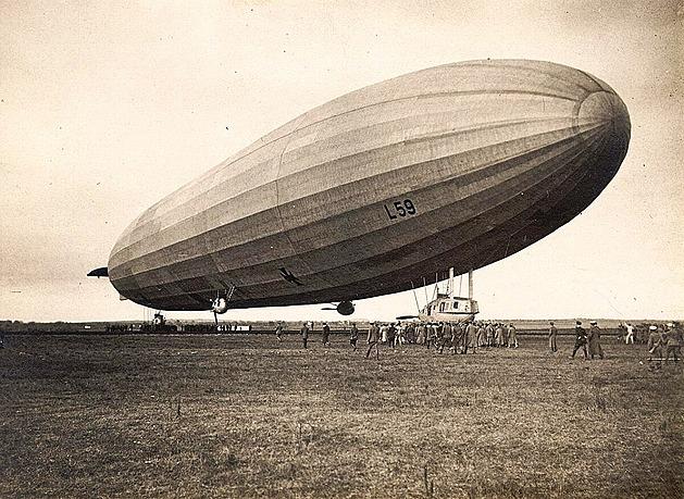Vzducholoď pro Afriku. Zeppelin letěl zásobovat německé koloniální vojsko