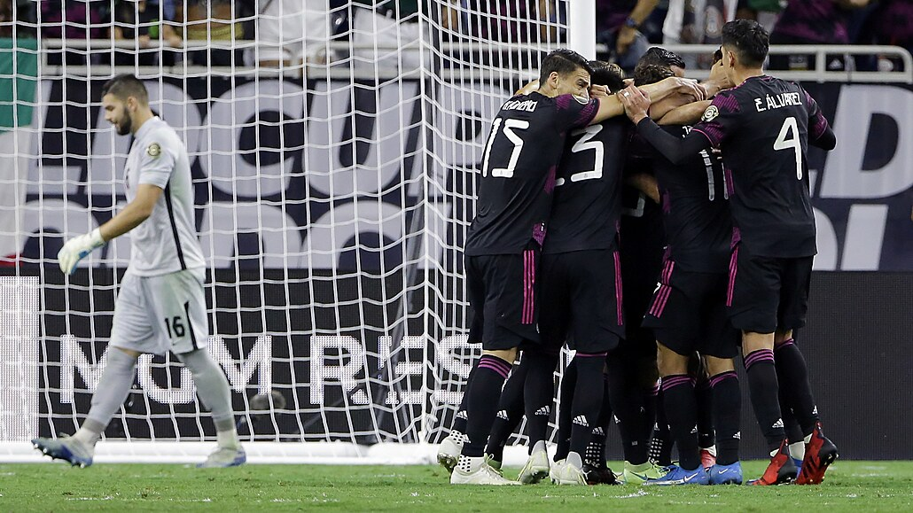 Fotbalisté USA znovu postoupili do finále Zlatého poháru, vyzvou Mexiko