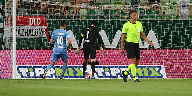 Ferencváros – Slavia 2:0, šok na úvod, domácím pomohl vlastní gól a penalta