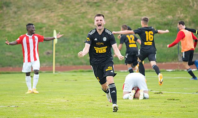 Černý rekord dostrašil, Varnsdorf doma vyhrál. I díky gólům navrátilce