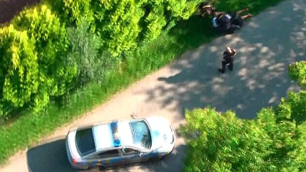 Zdrogovaný muž se řítil Brnem, při dopadení pomáhal i vrtulník