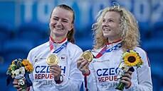 Zlato pro český tenis. Siniaková s Krejčíkovou pomstily ve čtyřhře Vondroušovou, švýcarský pár ve finále zničily