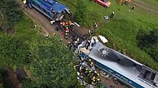 VIDEO: Letecké záběry tragické srážky vlaků u Domažlic. Podívejte se na místo střetu