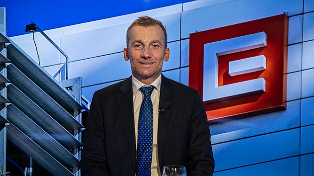 Ceny elektřiny už dosáhly stropu, říká místopředseda ČEZ Cyrani