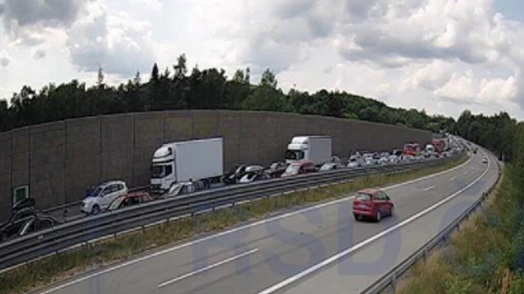 Nehoda uzavřela dálnici D1 směrem do Brna, tvořily se kilometrové kolony