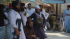 Masové popravy, cílené zabíjení nepohodlných osob a drancování, říká velvyslanec o dění v Afghánistánu