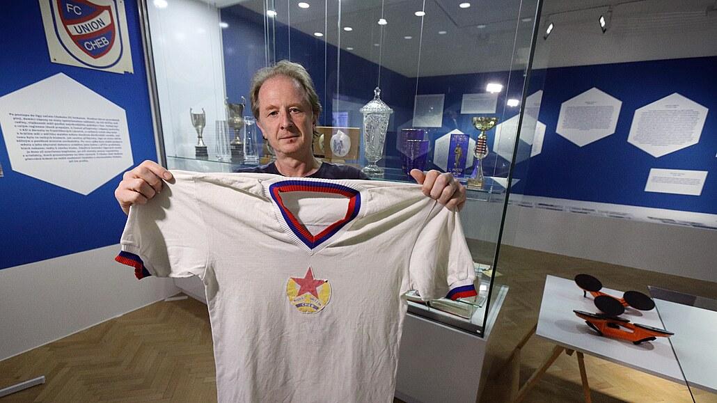 Muzeum odkrývá historii Rudé hvězdy Cheb, její dres oblékl i Pavel Nedvěd