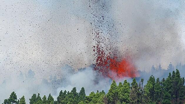 Na Kanárských ostrovech začala sopečná erupce