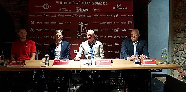Momentka z tiskové konference volejbalistů Českých Budějovic pro novou sezonu.