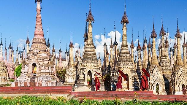 Pagody klášterního komplexu Kakku jsou chloubou Šanského státu ve východní...
