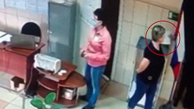 """U ruských voleb se objevila """"magická ruka"""""""