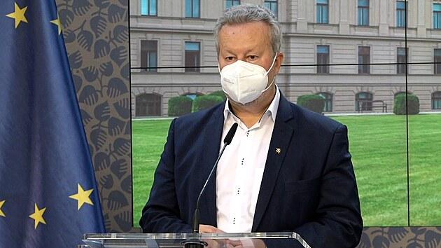 Je to špinavá hra, kritizuje Brabec zprávu komise k Bečvě