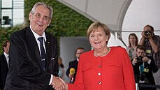 Merkelová byla tichá síla, která nevyčnívala. Během českého předsednictví pomáhala Topolánkovi