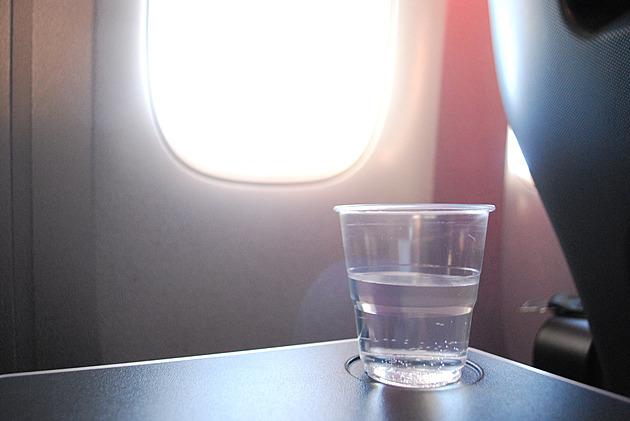 Online testování a zmatení cestující. Let přes Atlantik jako pandemický trest